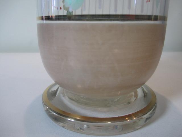 Coqueteleira de vidro decorado anos 50 ou 60 sem a tampinha - Foto 6