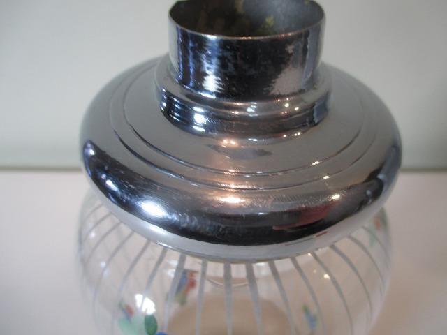 Coqueteleira de vidro decorado anos 50 ou 60 sem a tampinha - Foto 5