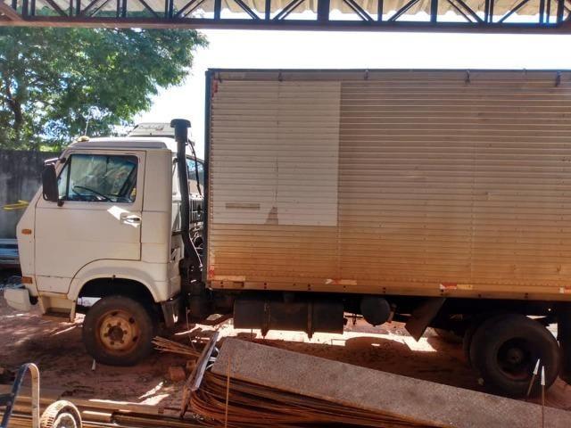 Caminhão bau vw 6.90 - Foto 2