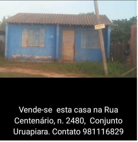 Venda de Imóvel/Casa Conjunto Uruapiara em rua principal com dois quartos