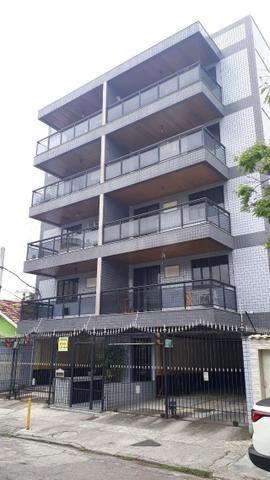 Aluga Aptº 2/4 com garagem de frente na Vila da Penha