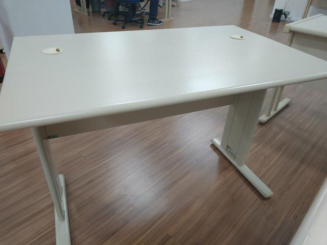 Venda de mesas usadas