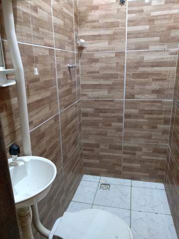 Alugo casa com 2 quartos a 100 metrôs do metrô da mangueira R$500 já com a água incluso - Foto 3