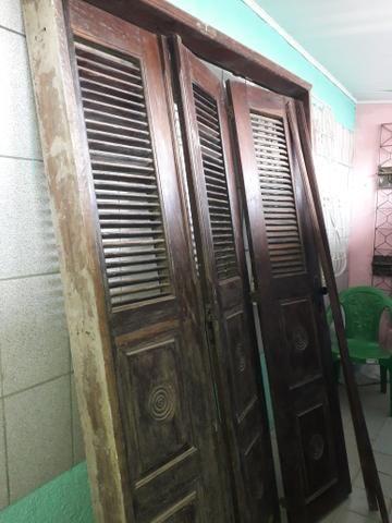 Vendo porta de madeira