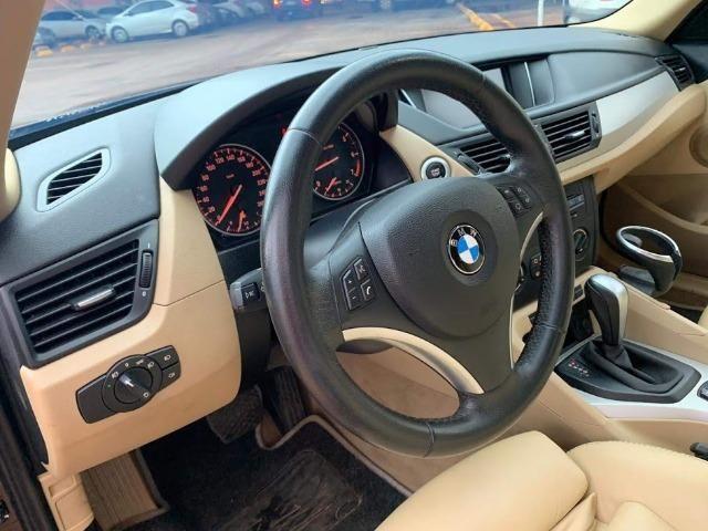 BMW X1 Sdriver 18i Marrom e bancos Bege - Foto 3