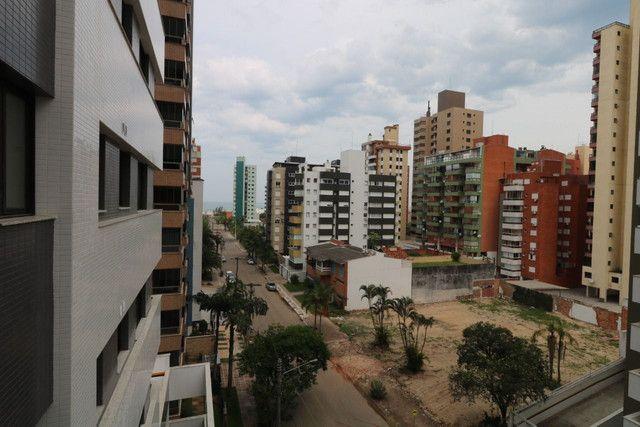Apartamento 3 dormitórios próximo as 4 praças - Foto 9