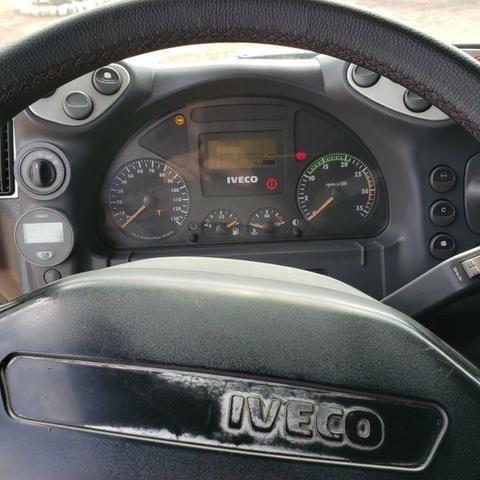 Caminhão Iveco Cursor 330 2011 4x2 (toco) - Foto 9
