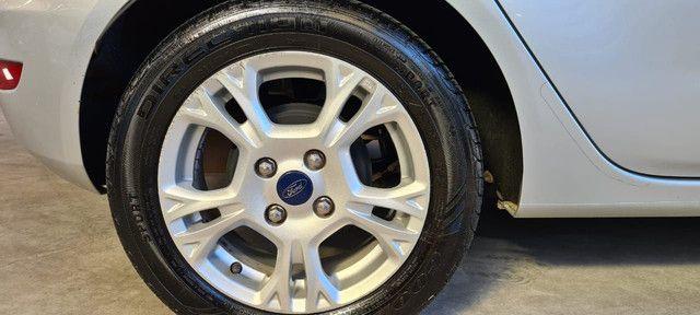 Ford fiesta Hatch 1.6 automático 14/15 - Foto 7
