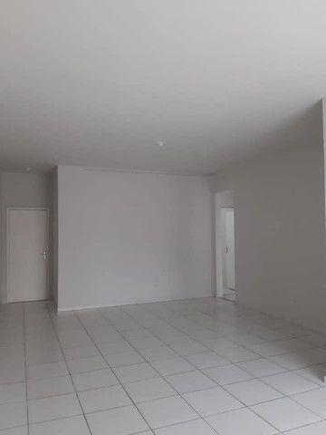 A RC+Imóveis vende um excelente apartamento no centro de Três Rios-RJ - Foto 18