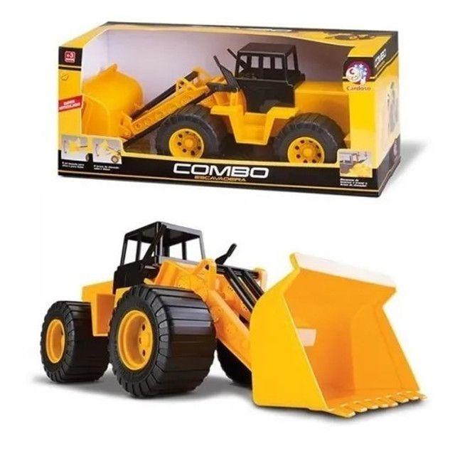 R$39,90 - Trator Combo Escavadeira Articulado Basculante Cardoso Toys