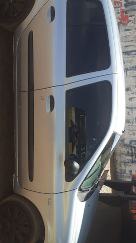Clio sedan  - Foto 2