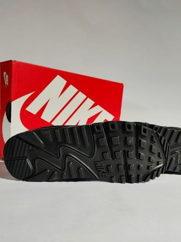 Nike Air Max 90 Black/White Feminino - Foto 5