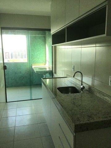 Alugo 2 quartos, suítes, varanda gourmet, armários, 2 vagas - Foto 4