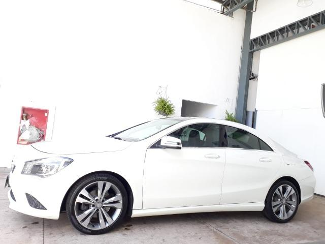 Delightful Mercedes Benz Cla 200 1.6 First Edition TB 2013/2014 Branca