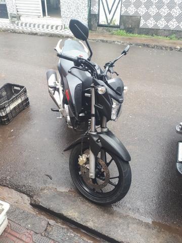 Twister 250 faço troca em moto maior 600