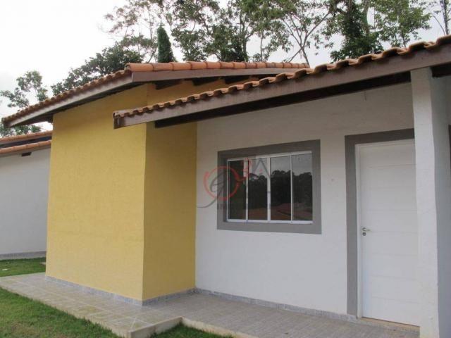Casa nova 2 dormitorios, 1 suite, 2 vagas, piscina, em condominio Km 44 da Raposo.