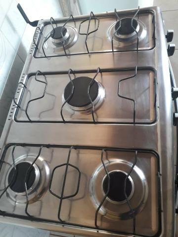 Fogão 5 bocas , com 6 meses de uso, forno usado apenas 2 vezes - Foto 4