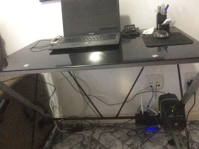 Mesa de vidro escritorio, home office estudos etc - Foto 2