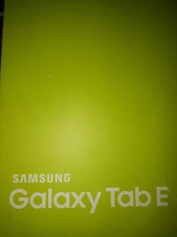 Tablet Tab E tela 9.6. 8 GB mais cartão com 64 GB