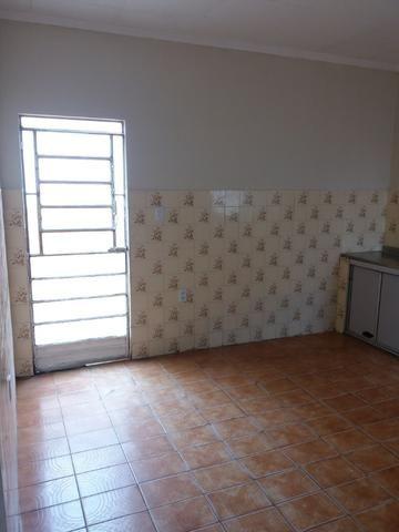Vende-se casa bem localizada - Foto 12