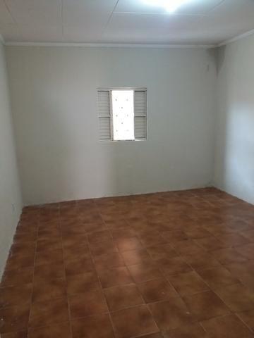Vende-se casa bem localizada - Foto 4