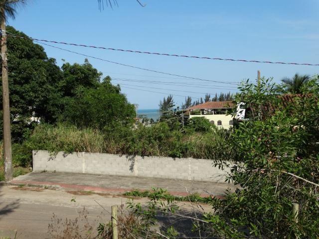 Terreno em Área Nobre, de 378,50m², com Vista para o mar, da Linda Enseada Azul. Próximo a