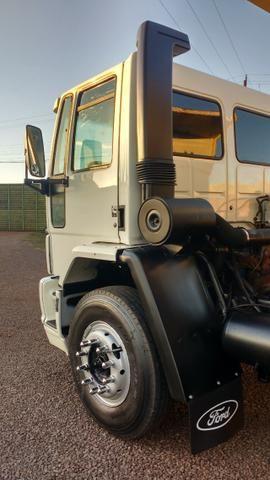 Ford Cargo 1622 truck 6x2 com caçamba Rosseti 10m3 unico dono - Foto 7
