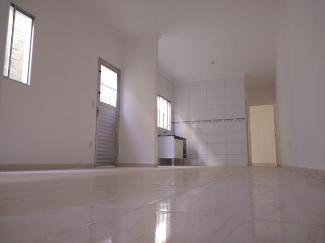 Olha Só A Sua Casa Nova Aqui! Deixe o Aluguel Já! FGTS na Entrada! 2 Dormitórios - Foto 4