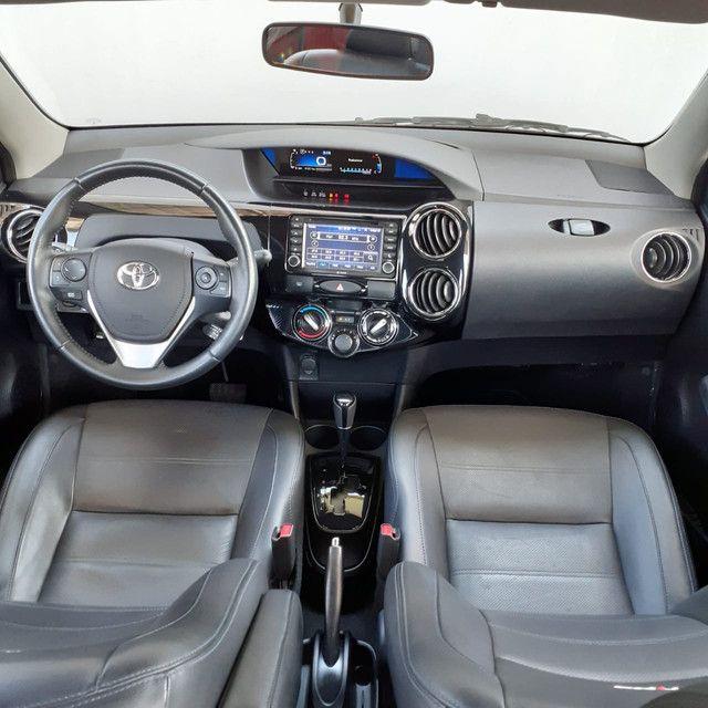 Smart Veículos - Toyota Etios Platinum Automático, 17/2018, 41.211 Km. R$ 54.900,00 - Foto 4