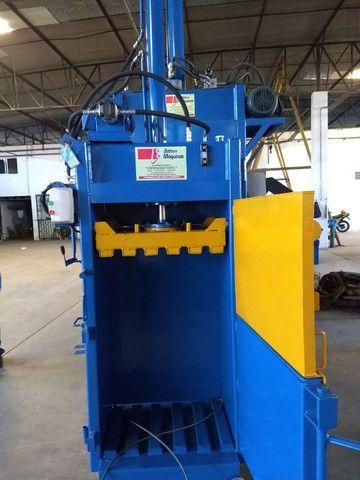 Prensa Enfardadeira Hidráulica Vertical para Reciclagem