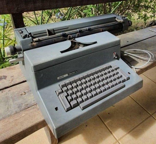 Máquina de escrever Olivetti Tekne 3 - Foto 3