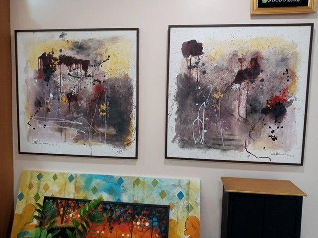 Pintura abstrata sobre tela