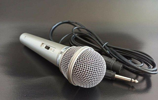 Microfone com fio 2,5m