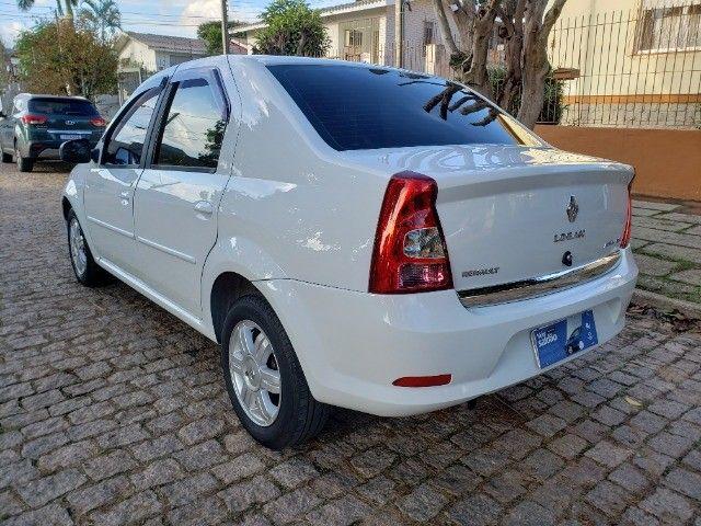 Renault Logan 1.6 Expression ** Automático ** - Foto 4