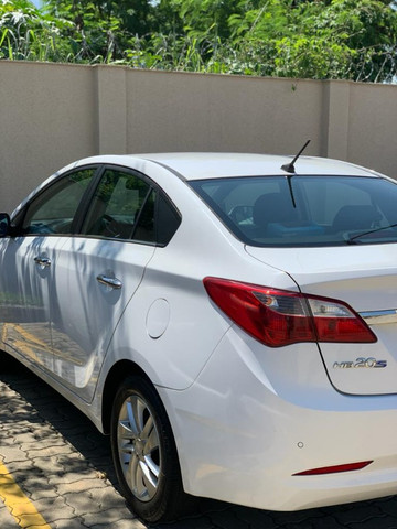 Hyundai Hb20s Premium 1.6 Flex 16v Automático 04 Portas - Foto 3