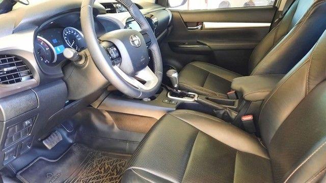 Toyota Hilux CD SR 4x4 2.8 TDA diesel aut. 2020/2020 - Foto 4