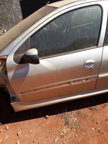 Porta dianteira esquerda pegeout 206 207 Usado Original