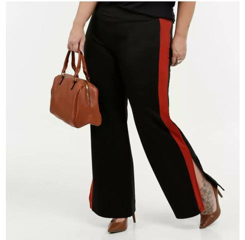 Calça Plus size preta com detalhe vermelho - Foto 2