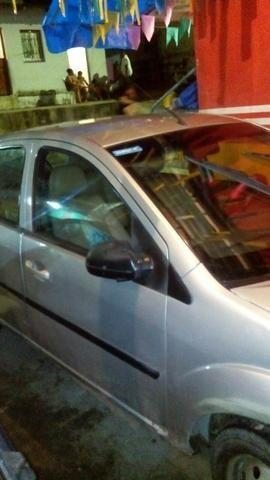 Vendo ou troca carro muito bom fista seda - Foto 3