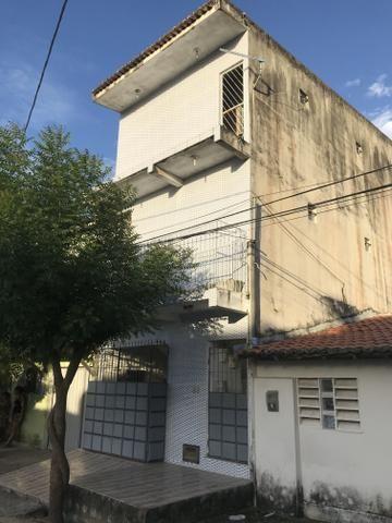 Vende-se prédio residencial com 3 apartamentos individuais - Foto 2