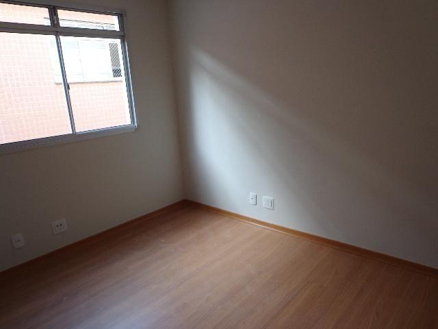 Apartamento com aproximadamente 72,80 m² com sala para 2 ambientes, 03 quartos sendo 01 su - Foto 5