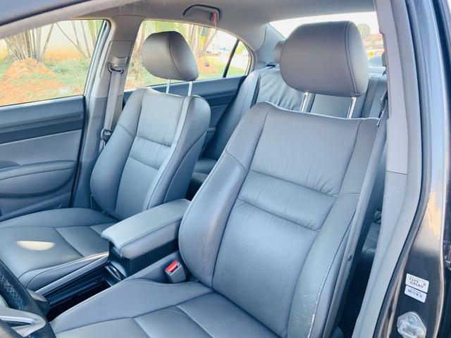 Civic LXL 1.8 Flex Automático (Aceitamos Trocas e Financiamos) - Foto 13