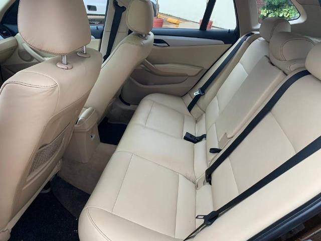 BMW X1 Sdriver 18i Marrom e bancos Bege - Foto 5