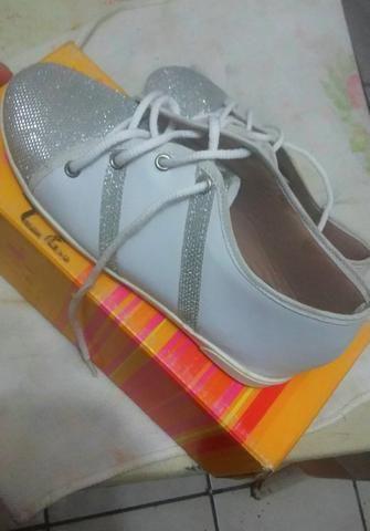 Rasteirinha e tênis tamanho 35 vendo ou troco - Foto 2
