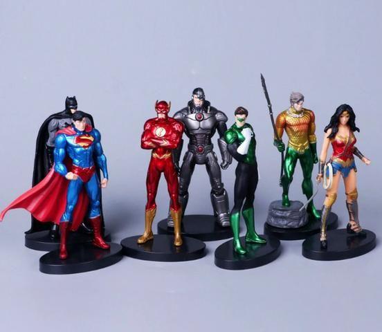 Bonecos Liga da Justiça