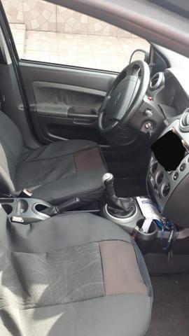 Vendo Fiesta Sedan 2011 1.6 Completo - Foto 8