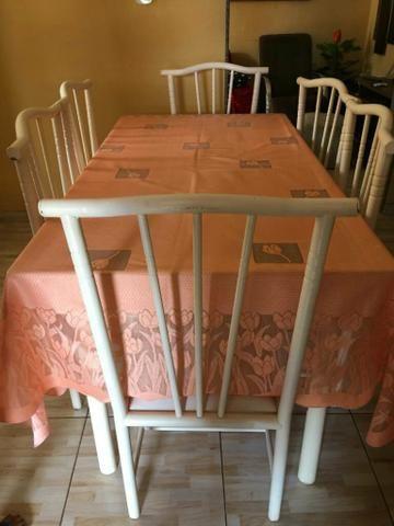 Mesa com um conjunto de 6 cadeiras - Foto 5