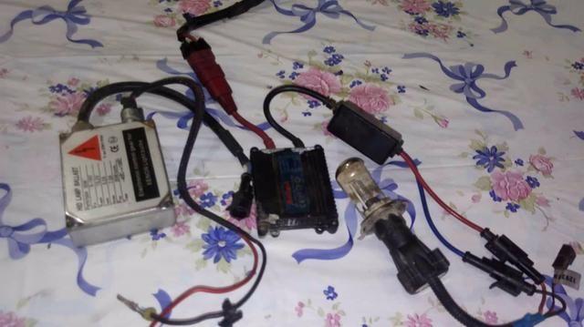 2 reatores e 1 lâmpada bixenom