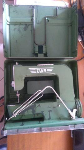 Máquina De Costura Elétrica Antiga, Com Maleta De Metal - Foto 6
