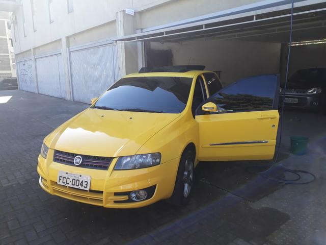 Stilo amarelo 1.8 sporting dualogic
